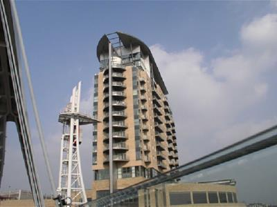 Imperial Point, Salford Quays - 2 Bed Apartment